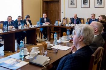 Marszałek Chełstowski chce uratować Instytut Medycyny Pracy w Sosnowcu