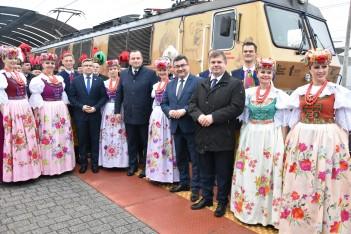 """Pociąg """"Powstaniec Śląski"""" dla upamiętnienia bohaterów"""