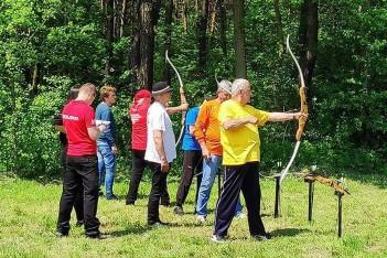 Sportowcy-seniorzy rywalizowali w Łazach