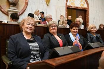 Śląskie wspiera seniorów