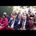 Na zdjęciach: Uczestnicy Konferencji Związku Samorządów Polskich; w tle Zamek w Ogrodzieńcu.