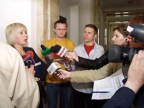 Na pytania dziennikarzy odpowiada dyrektor Wydziału Programowania Rozwoju i Funduszy Europejskich Urzędu Marszałkowskiego – Elżbieta Bieńkowska.