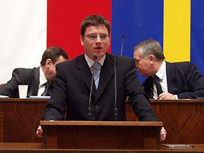 Przemawia Przemysław Koperski - dyrektor Wojewodzkiego Urzędu Pracy w Katowicach