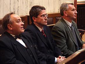Na sesję przybili także prezydenci Siemianowic Zbigniew Szandar i Chorzowa Marek Kopel oraz wiceprezydent Katowic Józef Kocurek