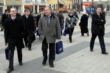 Marszałkowie w drodze na obrady w Rybniku