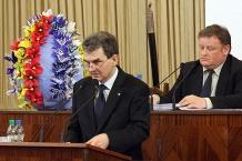 Na mównicy marszałek Bogusław Śmigielski