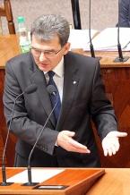 Marszałek Bogusław Śmigielski uzasadnił radnym cel rozbudowy Stadionu Śląskiego