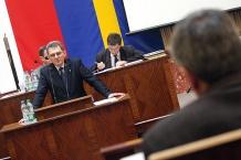 Na mównicy marszałek Województwa Śląskiego Bogusław Śmigielski