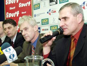 Konferencja prasowa, od lewej: Wicemarszałek Województwa Śląskiego Jan Grela, Prezes PZPN Michał Listkiewicz i Trener Paweł Janas.