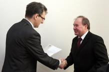 Marszałek Bogusław Śmigielski wręczył nominacje członkom Rady